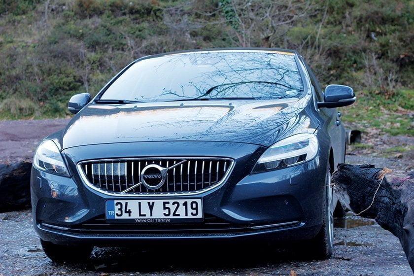 yeni-volvo-v40-t3-1-5-litre-152-beygir-dizel-otomatik-test-surusu