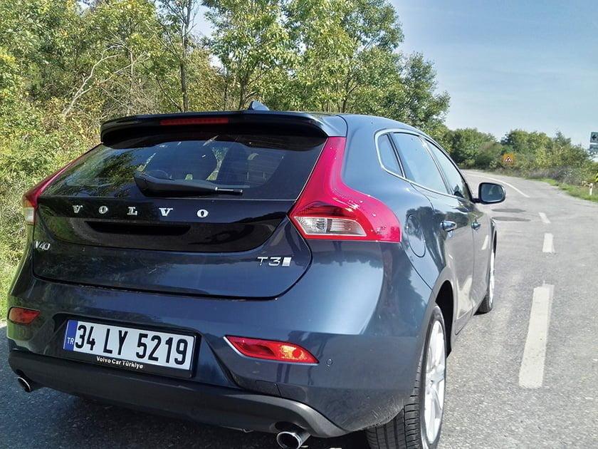 yeni-volvo-v40-t3-1-5-litre-152-beygir-dizel-otomatik-test-surusu5