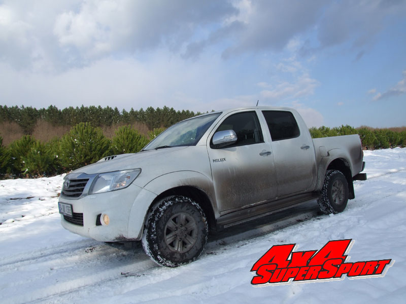 2012-hilux-4x2-manuel-winter-road-test-24