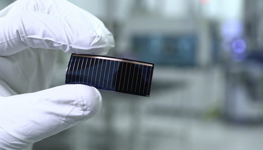 Thin-film solar cells in panoramic glass roofs of Audi models: Audi and Alta Devices, a subsidiary of the Chinese solar-cell specialist, Hanergy, are working together on this development project. With this cooperation, the partners aim to generate solar energy to increase the range of electric vehicles.