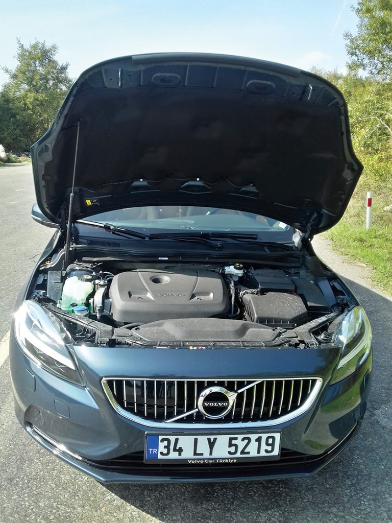 yeni-volvo-v40-t3-1-5-litre-152-beygir-dizel-otomatik-test-surusu4