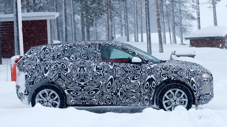 jaguar-e-pace-winter-test