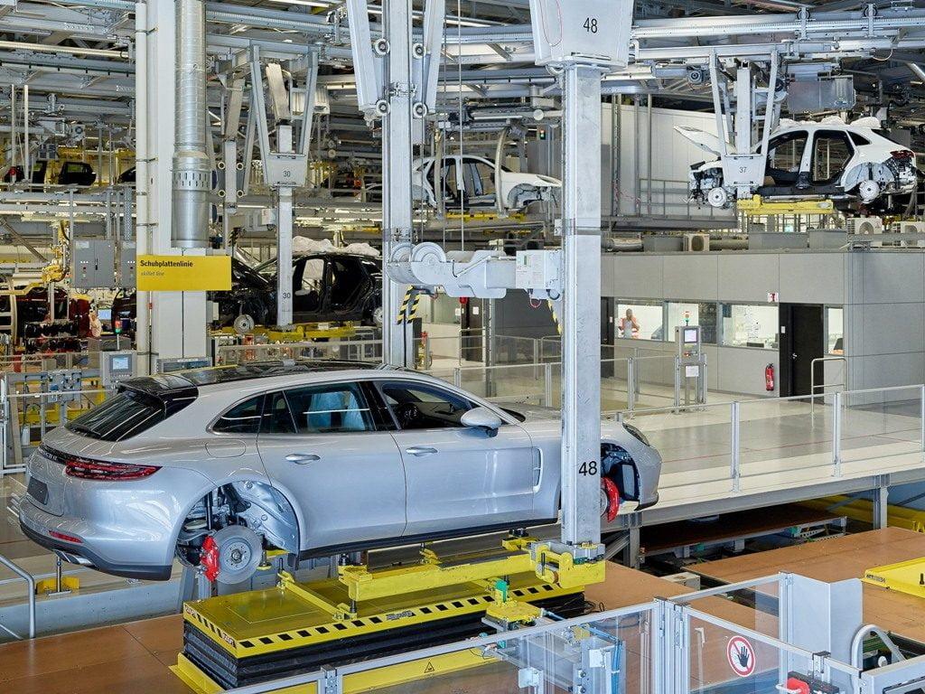 Produktionsstart für den Panamera G2 Sport Turismo bei der Porsche Leipzig GmbH am 7.07.2017